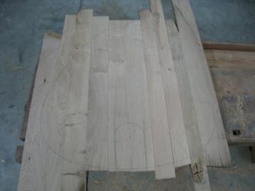 Boden und Türchen ausschneiden